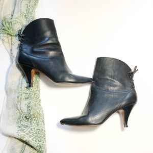 Vtg Video by LJ Simone Black Heeled Ankle Boots 9
